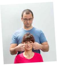 Masaż na ból głowy, naturalne sposoby na ból głowy.