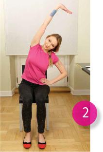 Ćwiczenia na kręgosłup na krześle, gimnastyka w biurze.