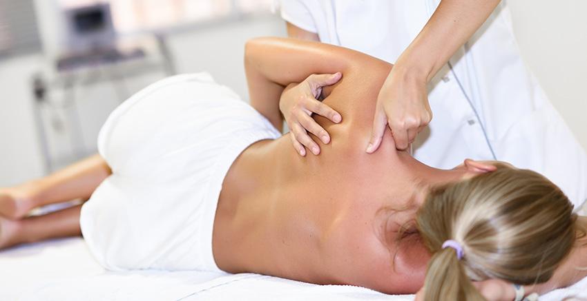 Masaż kręgosłupa, masaż pleców i terapia manualna kręgosłupa.